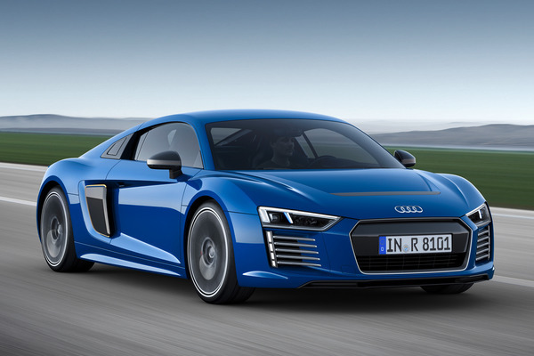 Autoportal India brings details of Audi R8 – Price in India, Review, Specs and Mileage